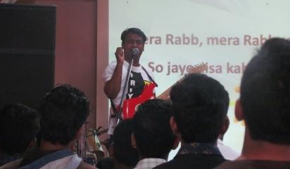 Bro.Lathish Rajan leaading Worship